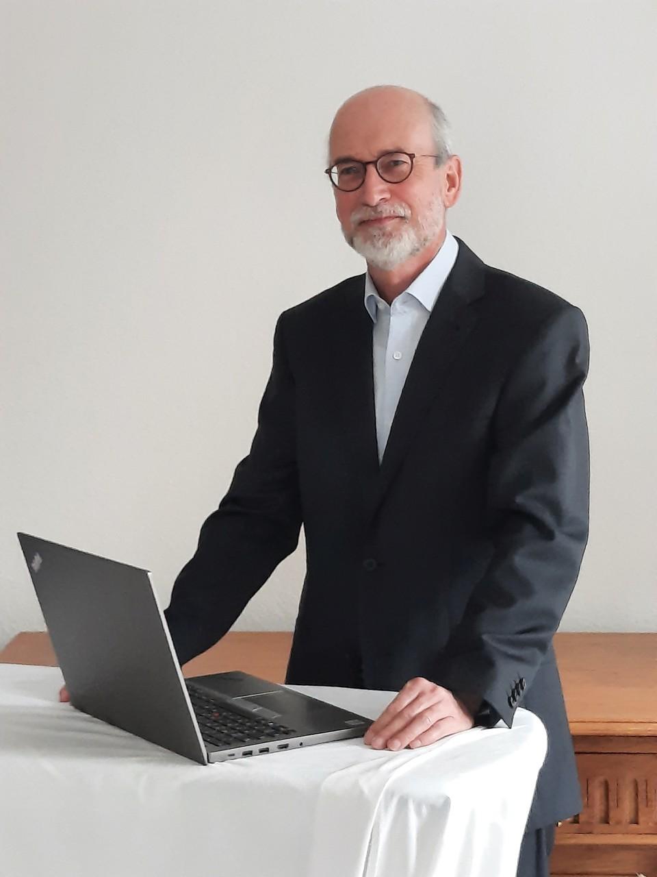 Dr. Joachim Ermer Pharmazeutische Analytik Qualitaetskontrolle